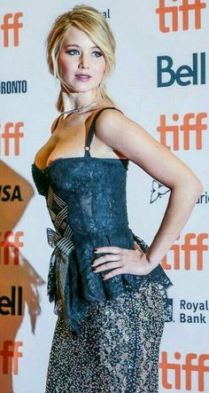 Jennifer Lawrence (American actress and film producer, born on August 1990 in Louisville, Kentucky, United States of America). Le Style Jennifer Lawrence, Jennifer Lawrence Movies, Olivia Newton John, Christina Hendricks, Jennefer Lawrence, Happiness Therapy, Cultura Pop, Celebs, Celebrities