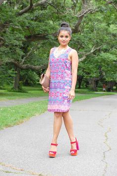 LovePlayingDressup, printed dress, top knot, clutch, sack dress, summer style, street style , pink shoes