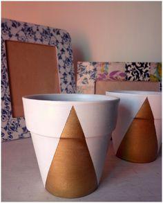 Una de mis combinaciones preferidas: dorado y blanco/ White and gold painted pots.