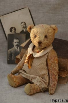 Old Teddy bear. Old Teddy Bears, Antique Teddy Bears, My Teddy Bear, Love Bear, Bear Doll, Antique Toys, Old Toys, Vintage Dolls, Antiques
