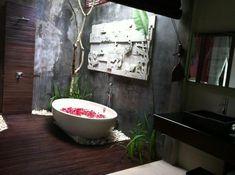 Gallery For > Outdoor Luxury Bathroom