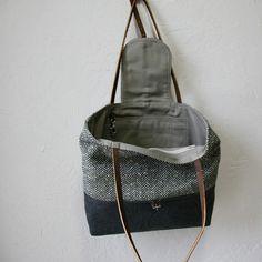 2-Tone Tote in Vintage Herringbone Wool por infusion en Etsy