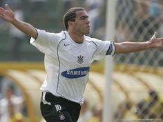 2005 - Carlitos Tevez comanda o tetra
