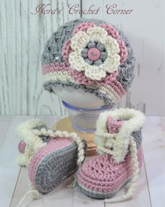 Crochet Baby Shoes Baby Girl Crochet Hat and Shoes Boots Booties Pink Gray - Baby Girl Crochet Blanket, Crochet Baby Blanket Beginner, Crochet Baby Boots, Booties Crochet, Crochet Baby Clothes, Love Crochet, Crochet Hats, Kids Crochet, Baby Shoes Pattern