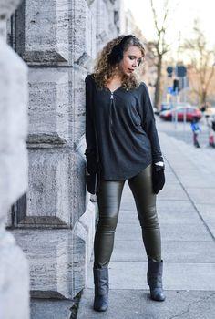 Chelsea handler leggings
