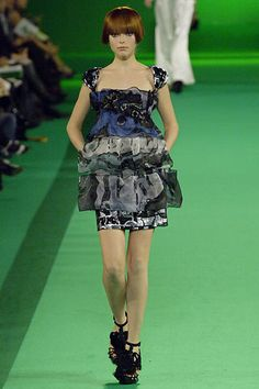 Christian Lacroix Spring 2007 Ready-to-Wear Fashion Show - Polina Kouklina (CITY)
