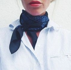 125 Catchiest Scarf Trends for Women in 2017 - FazhionParisian style. Fall fashion. Fall street style. Parisian chic. Paris street style. Fall fashion 2017 How to be Parisian French women style