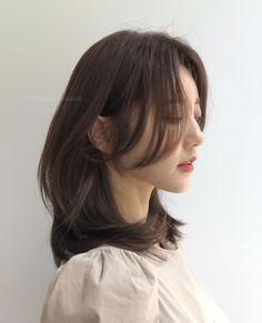 Haircuts Straight Hair, Haircuts For Medium Hair, Medium Hair Cuts, Long Hair Cuts, Medium Hair Styles, Curly Hair Styles, Hair Cuts Girls, Korean Short Hair, Korean Haircut Long