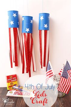 Love these adorable Fourth of July crafts for kids. They will make simple and inexpensive summer Activities for the Kids.  #RealCoake #RealCrafts  #4thJuly #July4th #Crafts #KidsCrafts #KidsActivities