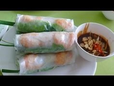 No wonder my spring rolls never turn out pretty.  A Youtube video to the secret of rolling a spring roll (so the shrimp appears on top) and how to make that addictive dipping sauce. Gotta try this next time.