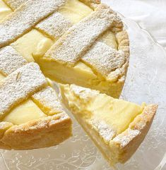 Crostata Ricotta e Cioccolato Bianco - Dolci Senza Burro Ricotta and White Chocolate Tart! A crumbly butter-free pastry contains a delicious and delicate filling that will conquer the palates of young Sweet Recipes, Snack Recipes, Dessert Recipes, Cooking Recipes, Biscuit Dessert Recipe, Italian Pastries, Italian Cookies, Pastry Cake, Vegan Cake