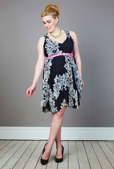 Monochrome floral Georgette Pleat Dress - anna scholz Plus Size