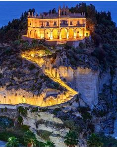 Tropea, It's On http://www.exquisitecoasts.com