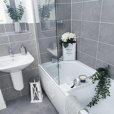 47 Gorgeous Grey & White Bathroom Design Ideas for a Chic Look #bathroom #homedecor