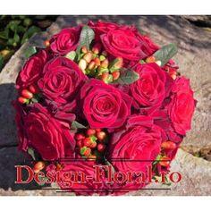 Buchet mireasa trandafiri si Hypericum