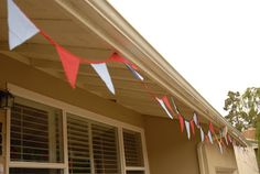 super east diy: fabric pennant flag banners. great tutorial!