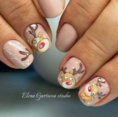 Here is a tutorial for an interesting Christmas nail art Silver glitter on a white background – a very elegant idea to welcome Christmas with style Decoration in a light garland for your Christmas nails Materials and tools needed: base… Continue Reading → Nail Art Noel, Xmas Nail Art, Christmas Manicure, Cute Christmas Nails, Xmas Nails, Christmas Trees, Elegant Nail Designs, Christmas Nail Art Designs, Winter Nail Designs