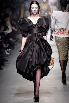 Vivienne Westwood Fall 2013 Ready-to-Wear Fashion Show: Complete Collection - Style.com