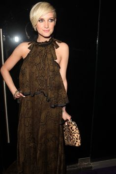Ashlee Simpson in Roberto Cavalli..animal print done right.. It's really the best I have seen her..
