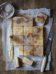 The easiest vanilla custard slice you will ever make using a handy cheat (cream crackers!) and a milk tart twist! Custard Slice, Custard Tart, Vanilla Custard, No Bake Treats, No Bake Desserts, Dessert Recipes, Dessert Ideas, South African Recipes, Ethnic Recipes