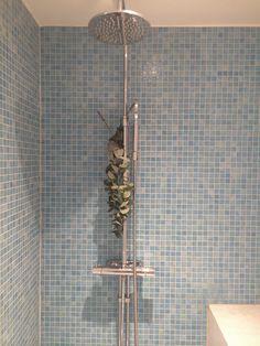 En enda sak behöver du skaffa för att få ett väldoftande badrum (och det är varken rengöringsmedel, citron eller vinäger).