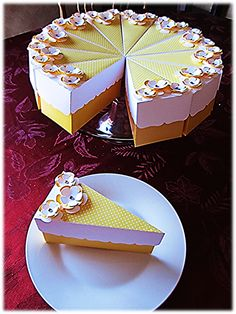 Yellow and White Cake Slices Favor Boxes
