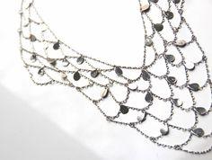 Zarte Netz-Kette silbern mit Plättchen