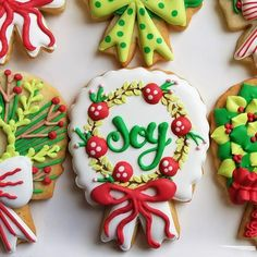 how to decorate four christmas wreaths - Decorating Christmas Cookies