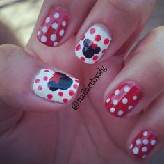 Minnie Mouse manicure perfect for a Disneyland visit.  Nail art, Disney, nail it magazine, Mickey Mouse.