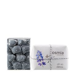 Oh So Detox Luxury Body Soap by Osmia cleanses and lends a detoxified feel to the skin. Activated charcoal makes skin feel purified, while Australian black clay offers a replenished effect that makes skin look regenerated and healthy. . . #osmia #luxurybodysoap #detox #activatedcharcoal #beautyheroes