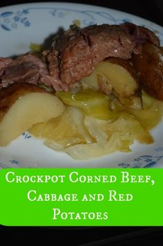 Delicious and easy crockpot corned beef, cabbage and potaties! Side Recipes, Crockpot Recipes, Chicken Recipes, Dinner Recipes, Crock Pot Corned Beef, Corned Beef Brisket, Juice Flavors, My Favorite Food, Favorite Recipes