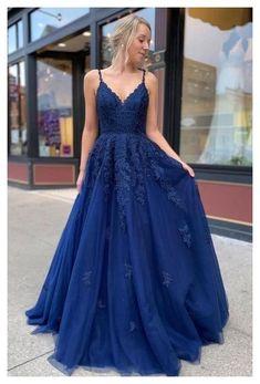 Dark Blue Bridesmaid Dresses, Blue Lace Prom Dress, Cute Prom Dresses, Prom Outfits, Ball Dresses, Pretty Dresses, Dress Prom, Graduation Dresses Long, Navy Blue Dresses