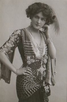 The beautifully enchanting Miss Lily Elsie ~ Edwardian actress