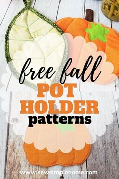 Get festive with the simple pumpkin pot holder sewing pattern and leaf quilted potholder pattern. Fall Sewing Projects, Sewing Projects For Beginners, Diy Craft Projects, Sewing Crafts, Craft Tutorials, Diy Crafts, Potholder Patterns, Bag Patterns To Sew, Sewing Patterns Free