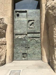 Pin By 75 On Portals Doors Door Entryway Antique Doors Door Entryway, Entrance Doors, Doorway, Door Images, Cool Doors, Door Gate, Antique Doors, Door Accessories, Door Knockers