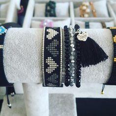 """26 Beğenme, 2 Yorum - Instagram'da G&B TASARIM (@g.b.tasarim): """"Biz haftasonu @nevapalastasarimpazari ndayız. Bekleriz #miyukibileklik #miyuki #takı #moda…"""""""