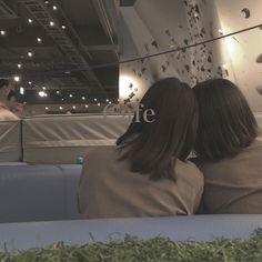 Ulzzang Couple, Ulzzang Girl, Korean Best Friends, Girl Couple, Cute Korean Girl, Nurse Art, My Best Friend, Bff, I Am Awesome