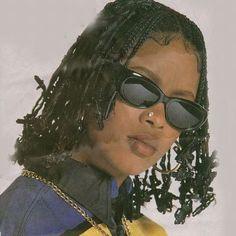 Da Brat w. Her barettes . Afro, 90s Aesthetic, Black Girl Aesthetic, Hip Hop Fashion, 90s Fashion, Fashion Black, Lolita Fashion, Fashion Boots, Fashion Women