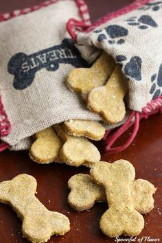 Peanut Butter Pumpkin Dog Treats -  our furry friends need homemade treats too!