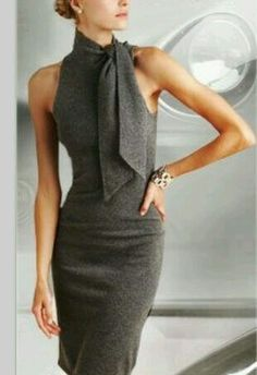 I love anything that ties around the neck like this! Love this dress