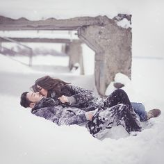 Love the snow + the couple in this photo. engagement shoot, winter wedding, Canadian engagement shoot