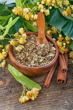 Do čaju či do vody. Domáci sirup z lipových kvetov Celery, Vegetables, Food, Syrup, Vegetable Recipes, Eten, Veggie Food, Meals, Veggies