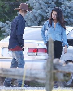 August 28: Selena Gomez and Justin Bieber horseback riding in Ontario, Canada. #5