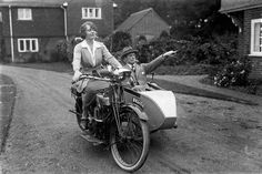 Vintage Motorcycles Madge Saunders and her husband, British comedic actor, Leslie Henson, - Girls rule, boys sit in the sidecar. Go on with your bad selves. Motos Vintage, Vintage Bikes, Vintage Cars, Women Riding Motorcycles, Vintage Motorcycles, Indian Motorcycles, Biker Chick, Biker Girl, Vintage Photographs