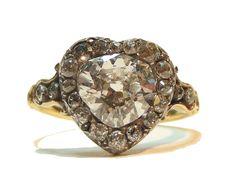 English antique diamond heart ring C. Heart Shaped Diamond Ring, Heart Ring, Heart Jewelry, Jewelry Box, High Jewelry, Dainty Jewelry, Luxury Jewelry, Antique Jewelry, Vintage Jewelry