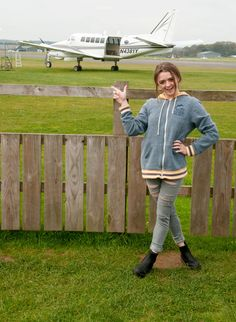 Maisie Williams – Charity Skydive 17.10.15