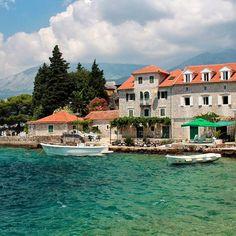 Красивая вкусная душевная Черногория наверно нет человека кого бы она оставила равнодушным// Montenegro  #travelling #instatravel  #travelingram #TravelAwesome #aroundtheworld  #igtravel #worldplaces  #amazing #adventure #cntravellerrussia #tripchannel #travelblog  #bestplace #memories #latergram #montenegro #ig_masterpiece #ig_captures #love #sea #landscape #cityview #beautiful #photographer #photooftheday #bestoftheday #путешествуем #черногория #красиво #like4like by ann_with_cam