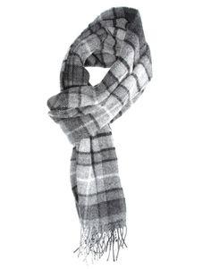 €21, Grauer Schal mit Schottenmuster von Glen Lossie. Online-Shop: Asos. Klicken Sie hier für mehr Informationen: https://lookastic.com/men/shop_items/103803/redirect