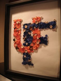 University of Florida. This would be really cool to make DIY home house decorating sign Cute Crafts, Crafts To Make, Arts And Crafts, Diy Crafts, Button Art, Button Crafts, Florida Gators Football, Oklahoma Sooners, University Of Florida