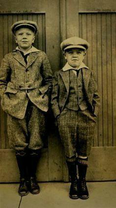 1900s Fashion, Edwardian Fashion, Vintage Fashion, Edwardian Era, Little Boy Fashion, Kids Fashion, Fashion Fall, Womens Fashion, Vintage Children Photos